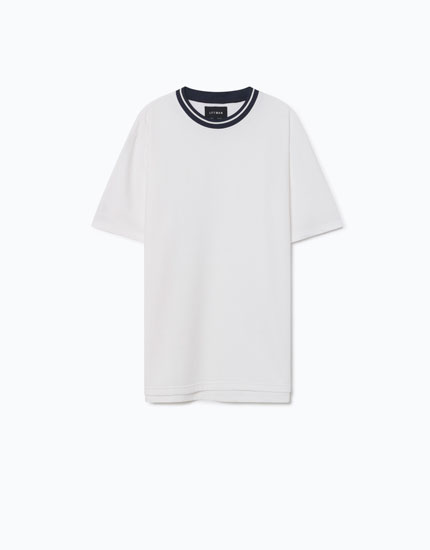 T-SHIRT WITH NECKLINE DETAIL