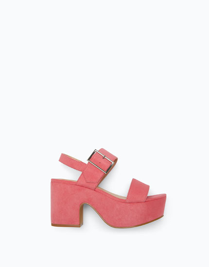 LINED WEDGES WITH BUCKLE FASTENING