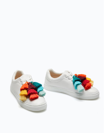 PLIMSOLLS WITH POMPOMS