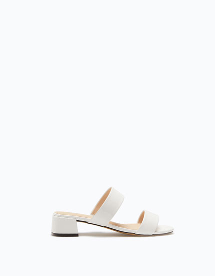 LOW-HEEL SANDALS WITH TWO STRAPS