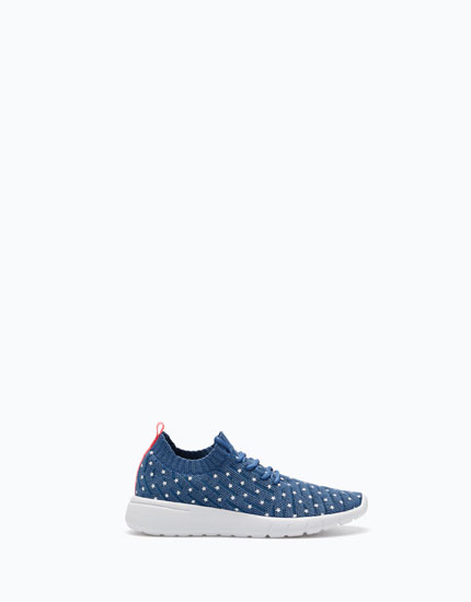 SNEAKERS WITH STAR PRINT