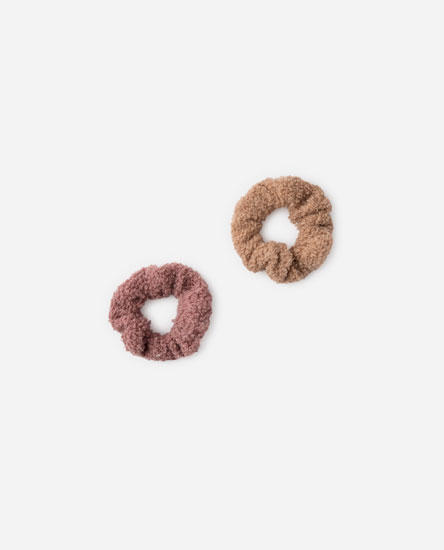 PACK OF FLUFFY SCRUNCHIES