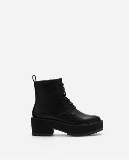 LACE-UP ANKLE BOOTS WITH PULL TAB