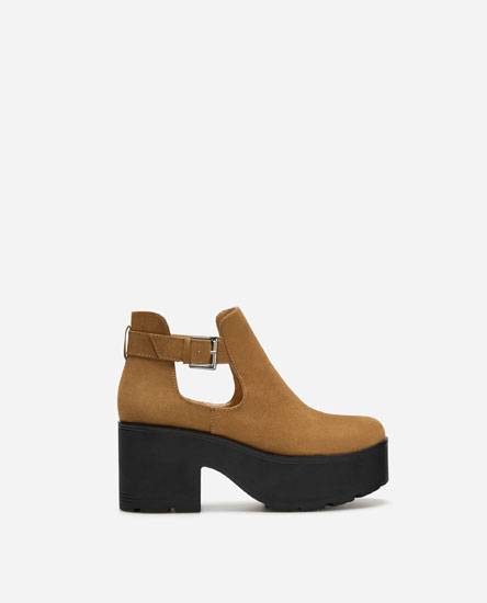 BLOCK HEEL TRACK SOLE ANKLE BOOTS WITH CUT-OUT SIDES