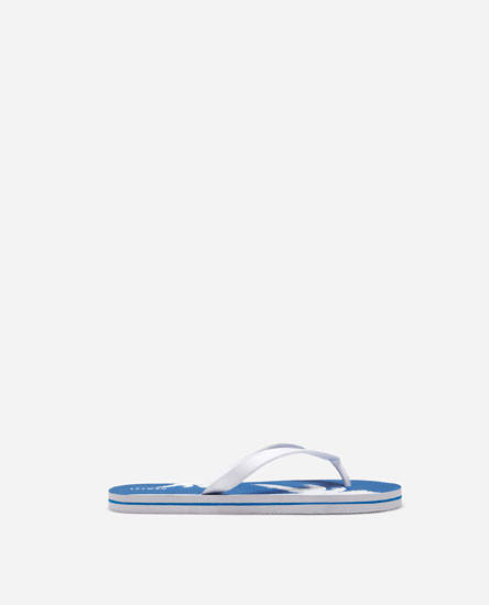 BEACH SANDALS WITH PRINT