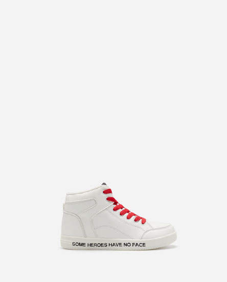 HIGH-TOP SNEAKERS WITH CONTRASTING LACES