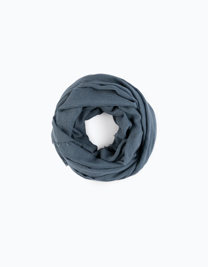 ESSENTIALS SCARF