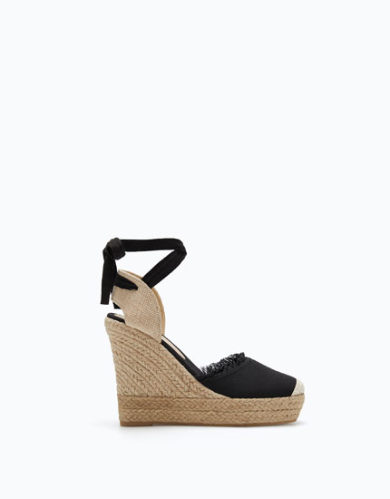BASIC FRAYED WEDGES