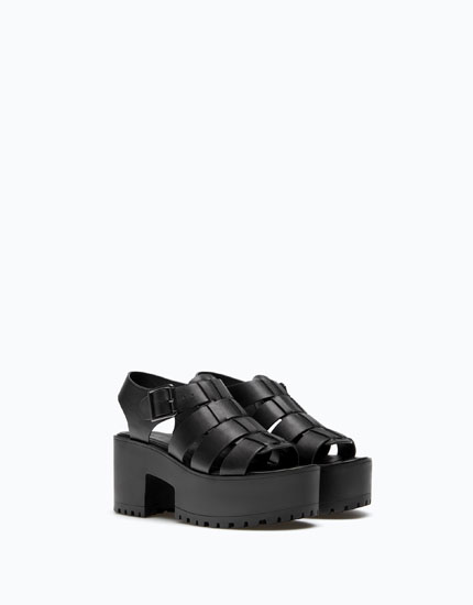 BLOCK HEEL SANDALS WITH STRAPS AND BUCKLE