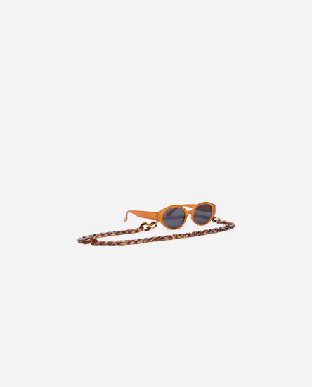 SUNGLASSES WITH CHAIN