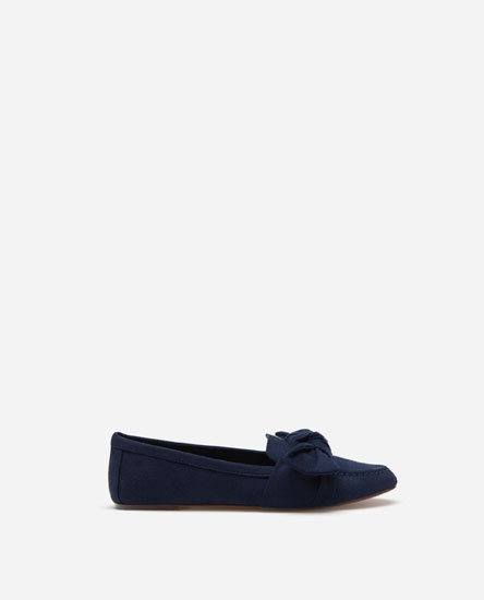 LOAFERS WITH KNOT DETAIL