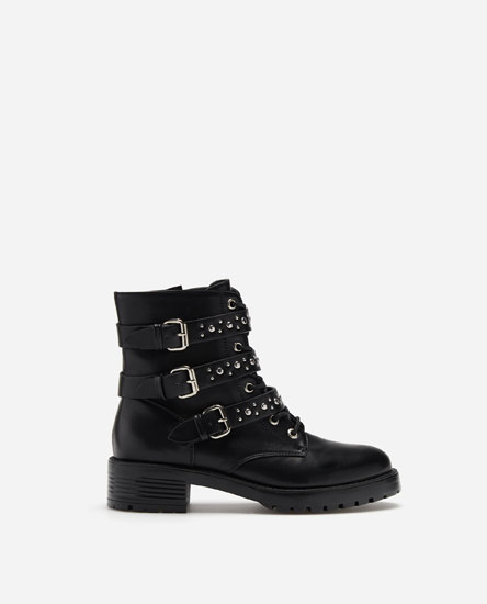 TALL ANKLE BOOTS WITH BUCKLES
