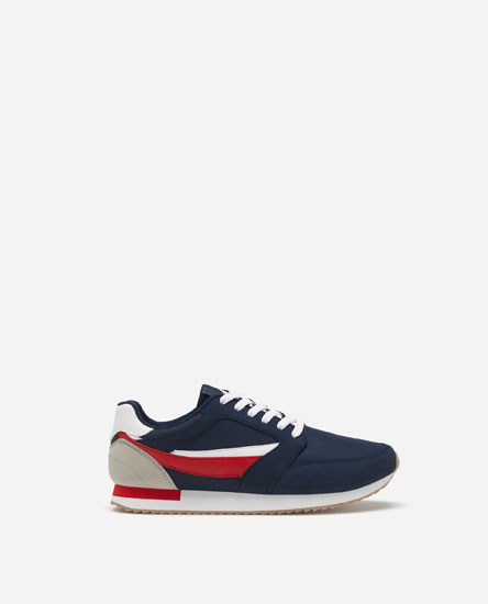 RETRO TRAINERS WITH FLAG