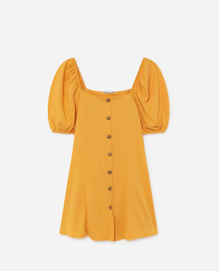Dress with puff sleeves and buttons