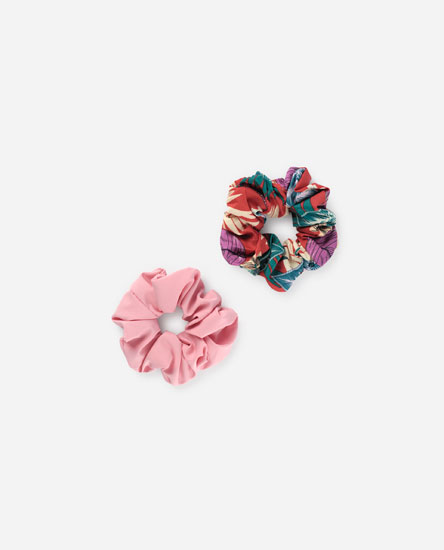 Pack of tropical print scrunchies
