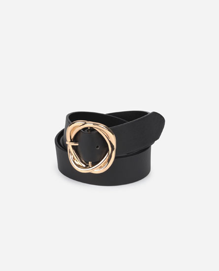 Belt with ring-shaped buckle
