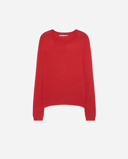 Basic sweater with buttons on the shoulder