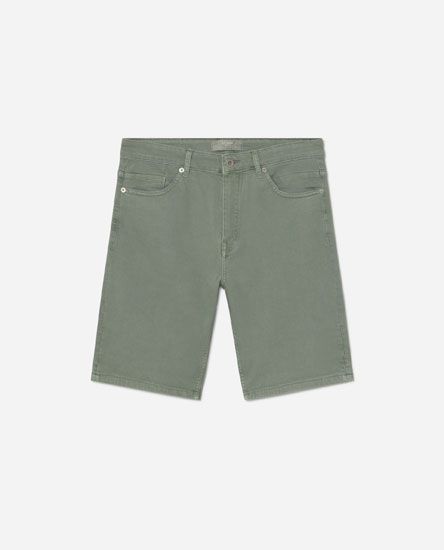 Coloured denim Bermuda shorts