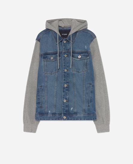 Джинсовая куртка с рукавами из мягкой ткани