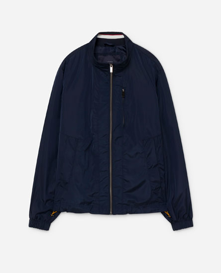 Short lightweight jacket