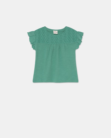 Embroidered ruffle sleeve T-shirt