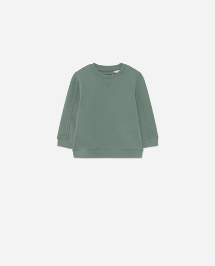 Sweatshirt with seam details