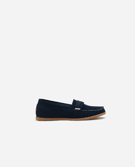 Topstitched loafers