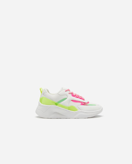 Chunky sneakers with neon trims