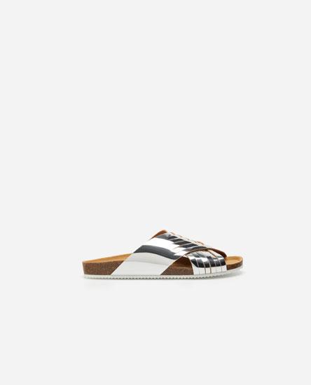 Interlaced sandals