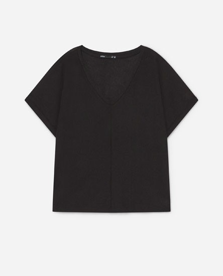 Textured V-neck T-shirt