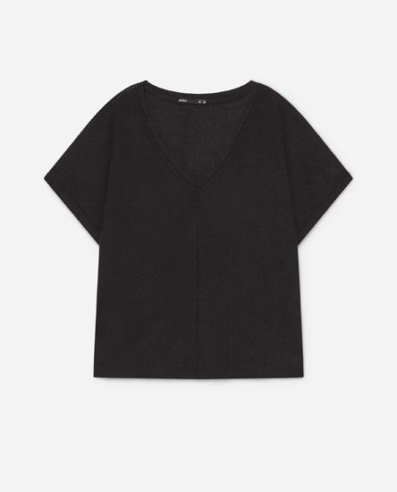 Camiseta textura colo pico