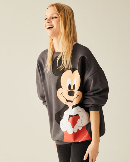 Mickey Mouse © Disney heart sweatshirt
