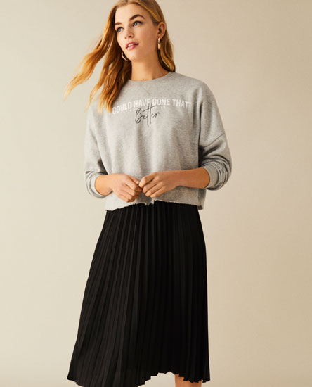 Cropped sweatshirt with slogan print
