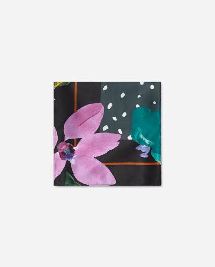 Lenço com estampado de pintura floral