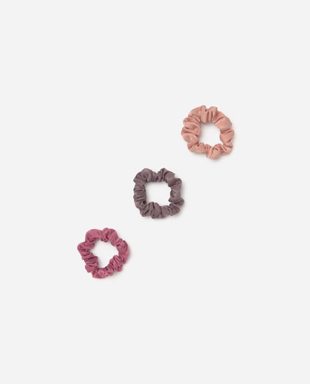 Pack of satin scrunchies
