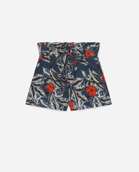 Shorts with tie