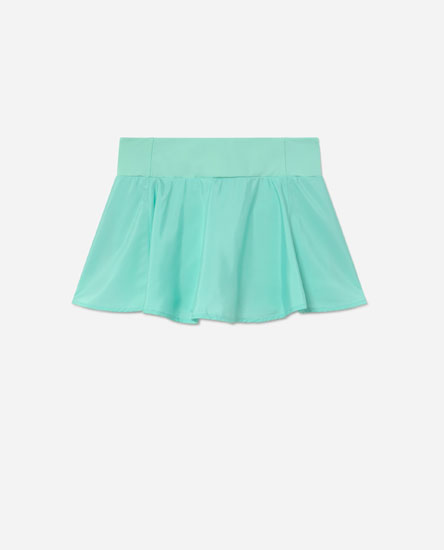 Skirt with back pocket