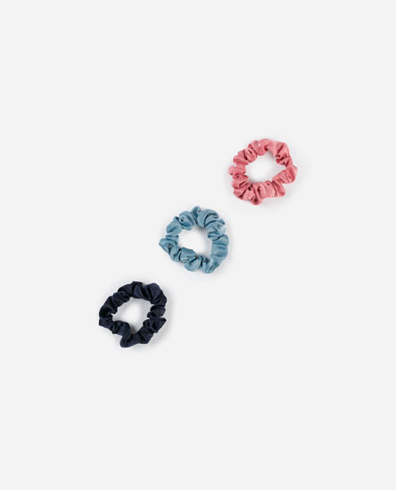 Pack of elastic scrunchies