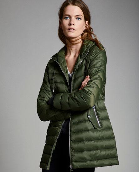 Lightweight puffer coat with hood