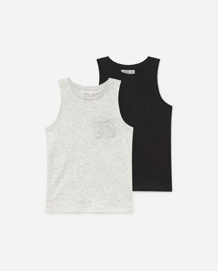 Pack of sleeveless T-shirts