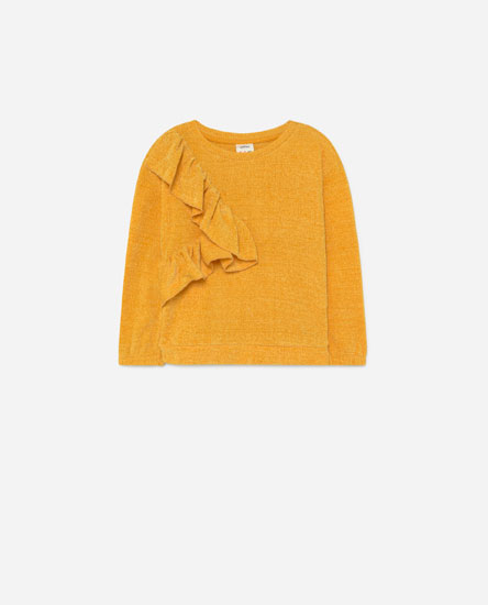 Chenille sweater with ruffles