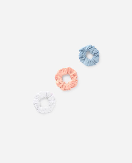 Pack of broderie anglaise scrunchies