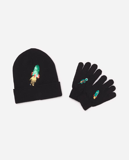 Pack of rocket hat and gloves
