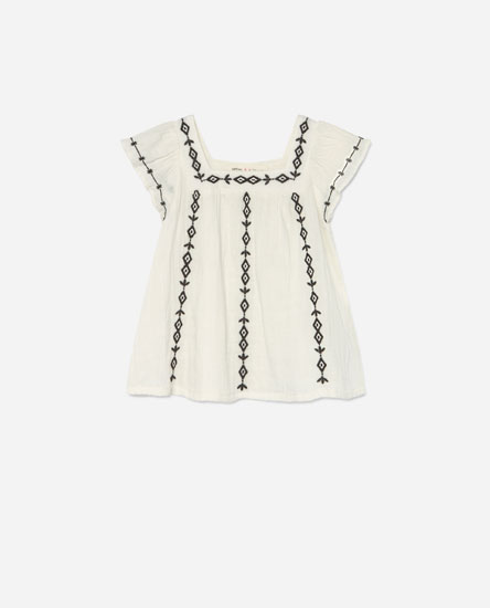 Double-layer gauze top with embroidery
