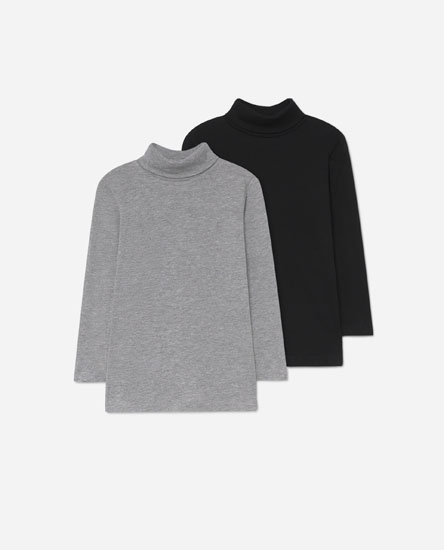 Pack of turtleneck t-shirts