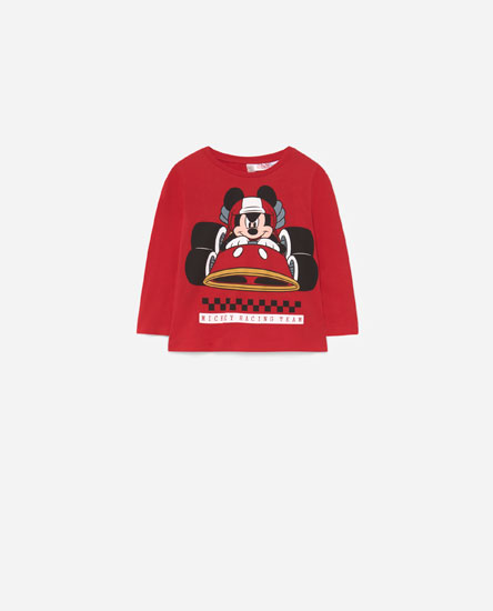 T-shirt do Mickey com carro de corrida © Disney