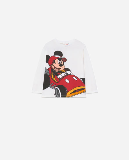 T-shirt do Mickey Mouse com carro © Disney