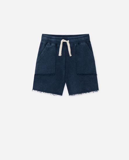 Bermuda shorts with pockets