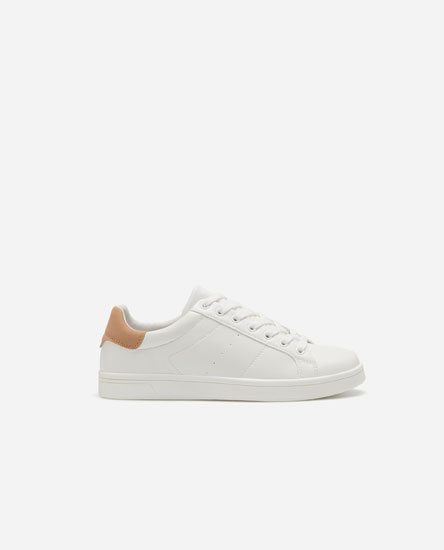 Trainers with heel trim