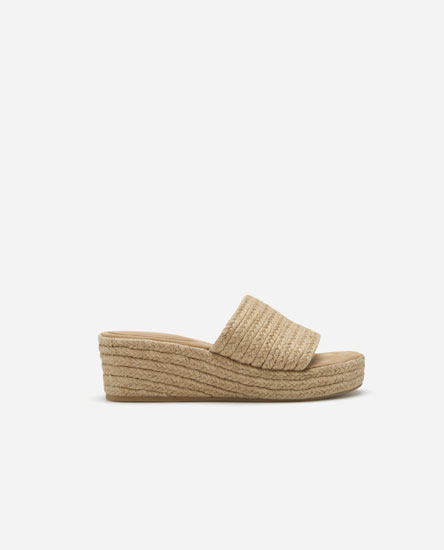 Jute wedges with straps